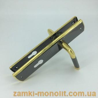 Ручка дверная на планке TRIKS 902-51K
